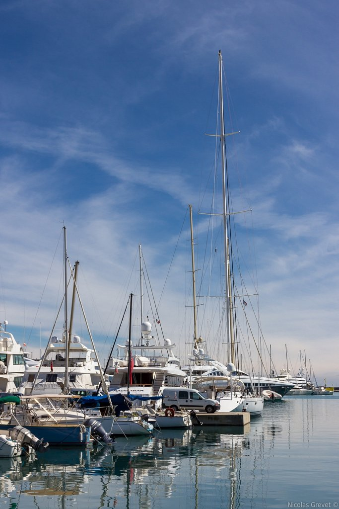 Yachts and sailboats in Antibes