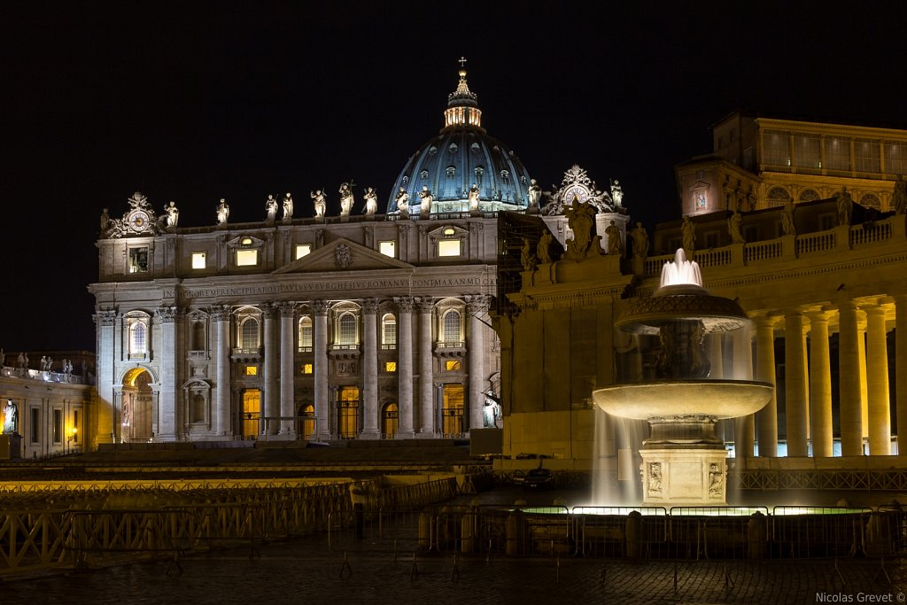 Piazza San Pietro by night
