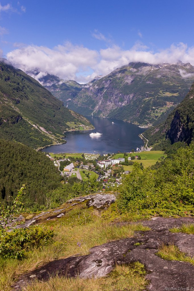 Overlooking Geiranger and its fjord