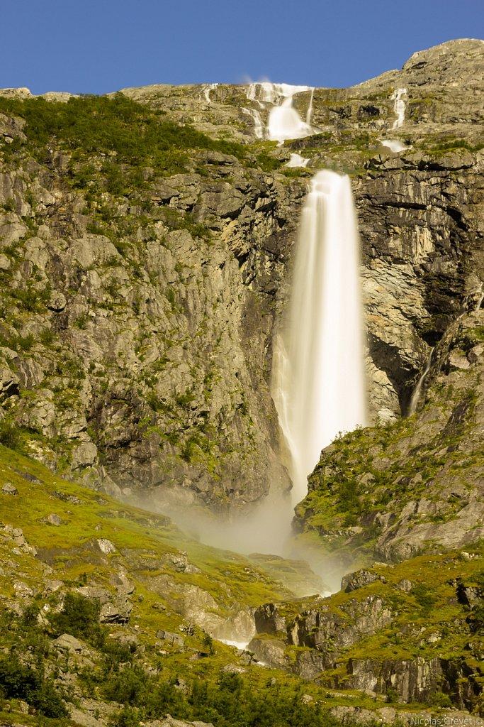 Krunefossen waterfall