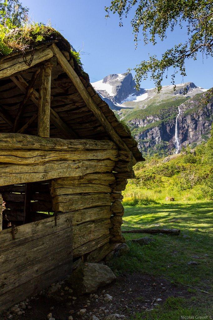 Briksdalen valley