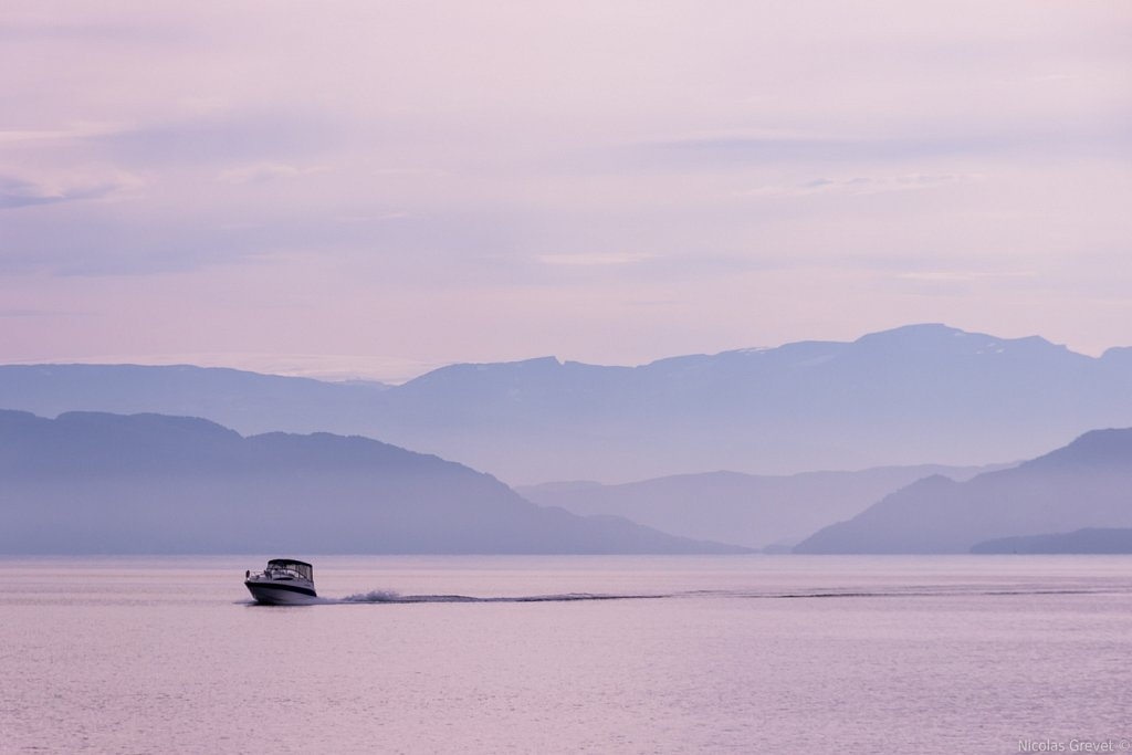 Bjørnafjorden speedboat