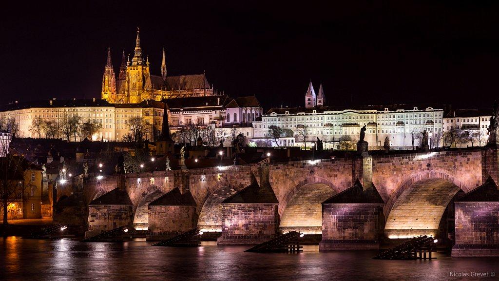 Pražský Hrad by Night