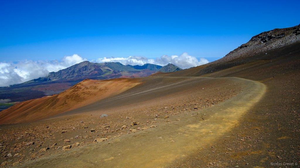 Keoneheʻeheʻe Trail