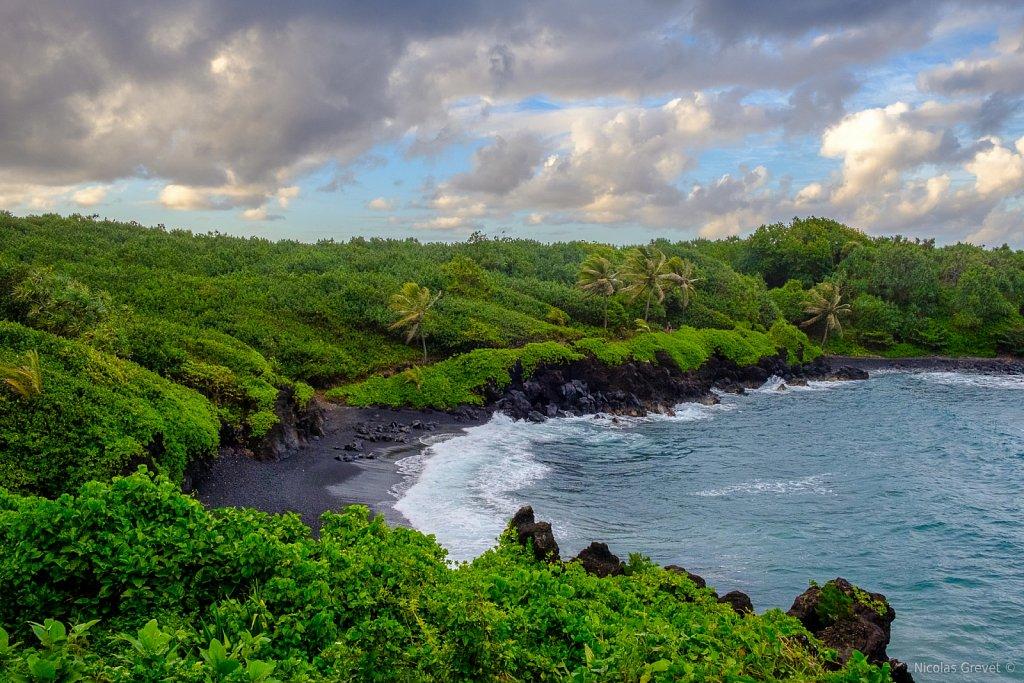 Pāʻiloa Beach