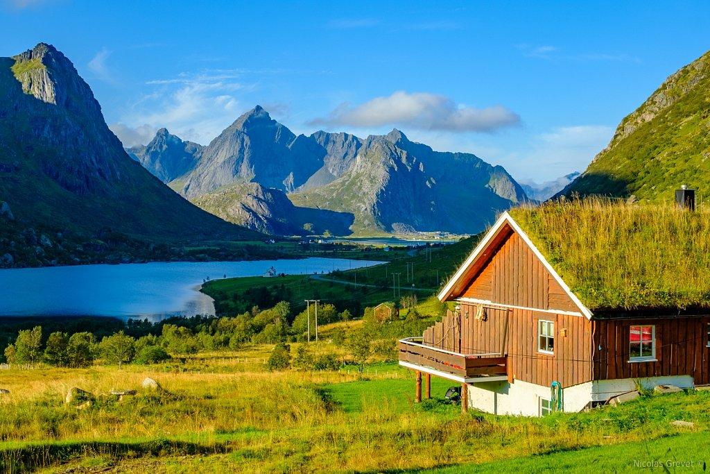 Flakstadøy Village